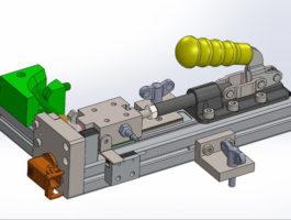 Pracoviště pro tlakovou kontrolu heliem a montáž hydraulických hadic